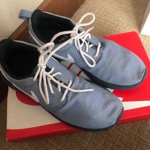 Nike Roshe double grey size 6